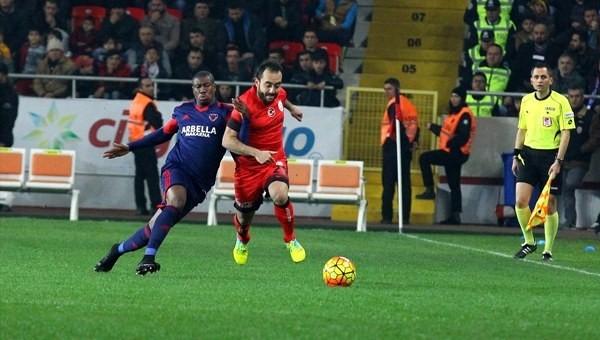 Nakoulma, Galatasaray savunmasını dağıttı - Süper Lig Haberleri