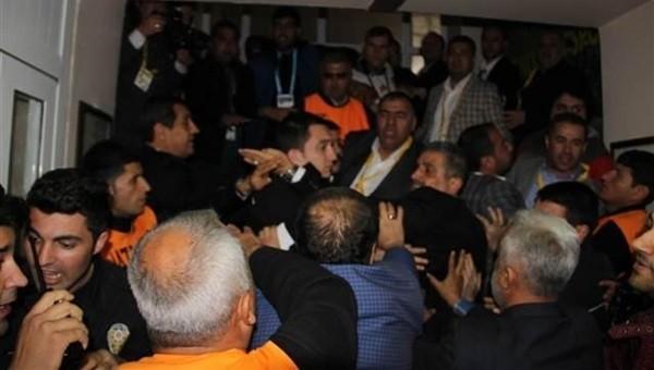 Tugay Kerimoğlu'nun basın toplantısında OLAY çıktı