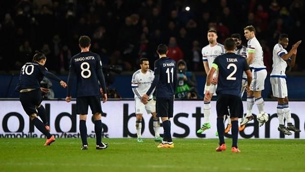 Zlatan Ibrahimovic'in Chelsea'ye attığı frikik golü - İZLE