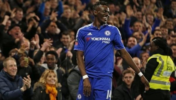 Chelsea'ye Stoke City darbesi