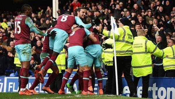 Emenike çıktı, West Ham kazandı!