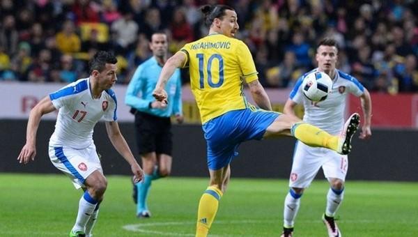 EURO 2016'daki rakibimiz Çek Cumhuriyeti deplasmanda İsveç'e takıldı