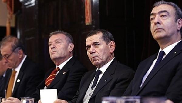 Galatasaray'da kritik toplantı! Bir araya geldiler
