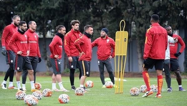 Galatasaray'dan sakatlık açıklaması! Wesley Sneijder, Hakan Balta, Sinan Gümüş, Sabri Sarıoğlu
