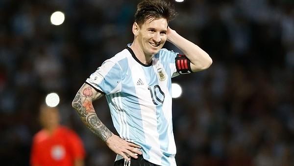 Lionel Messi, Arjantin ile 50. golünü attı - Dünyadan Futbol Haberleri