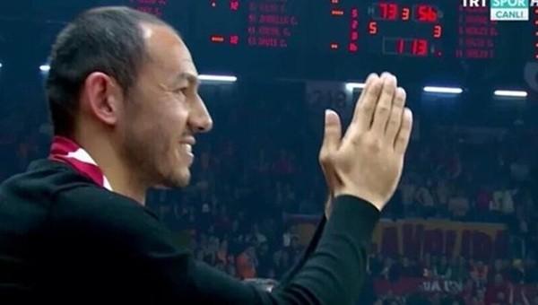 Abdi İpekçi'de Galatasaray taraftarlarından Umut Bulut'a sevgi seli - İZLE