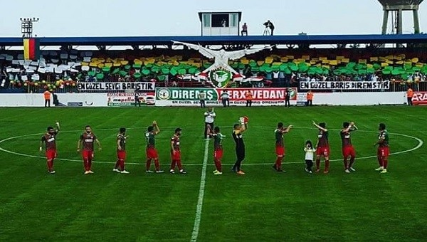 Amedspor'dan Aydınspor maçında protesto - Spor Toto 2. Lig Haberleri
