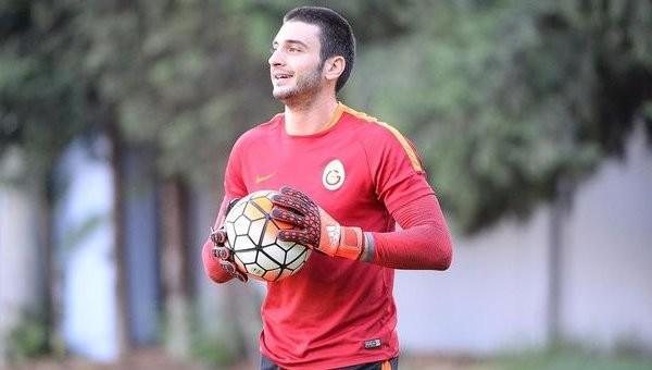 Galatasaray taraftarından Cenk Gönen'e sert tepki
