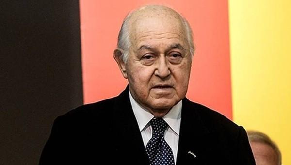 Duygun Yarsuvat'tan, Dursun Özbek'e sert eleştiri