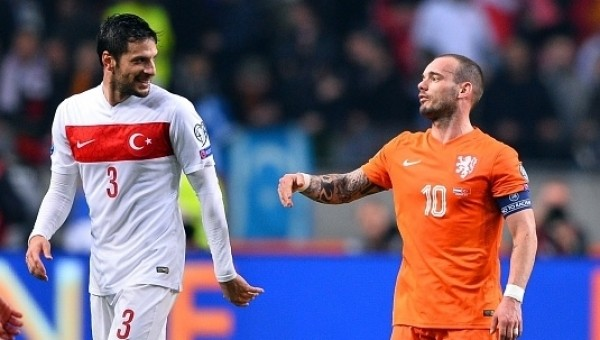 Galatasaray'a Sneijder ve Hakan Balta müjdesi