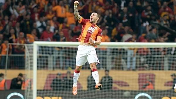 Galatasaray'dan Fenerbahçe'ye Wesley Sneijder göndermesi!