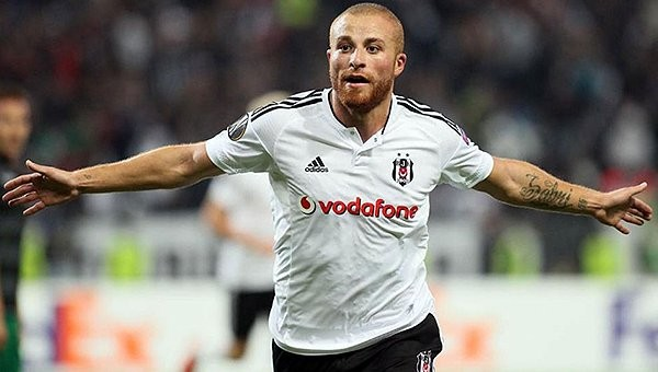 Beşiktaş Transfer Haberleri: Gökhan Töre, West Ham United ile anlaştı