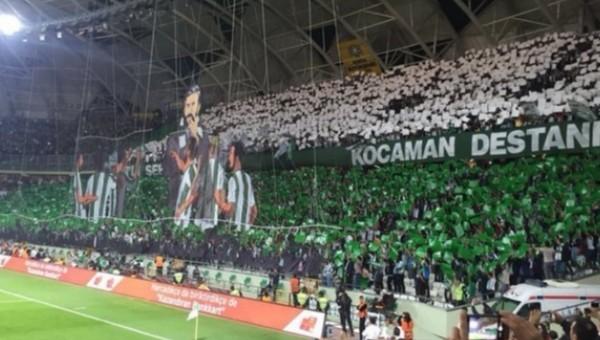 Konyaspor taraftarlarından Aykut Kocaman için müthiş koreografi - Türkiye Kupası Haberleri