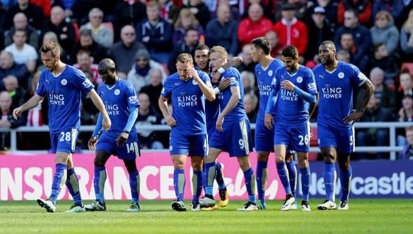 Leicester City adım adım şampiyonluğa...
