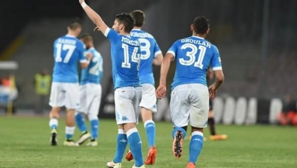 Napoli, Bologna maçında gol oldu yağdı
