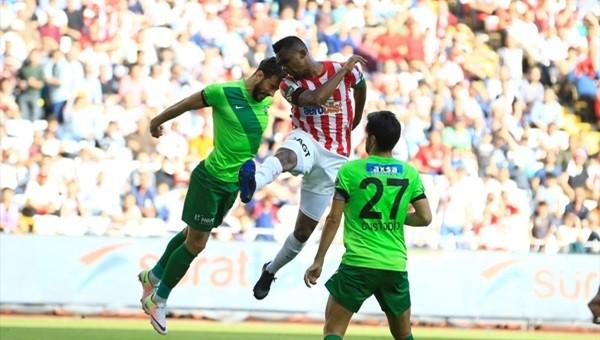 Samuel Eto'o ile Hugo Rodallega yenişemedi!