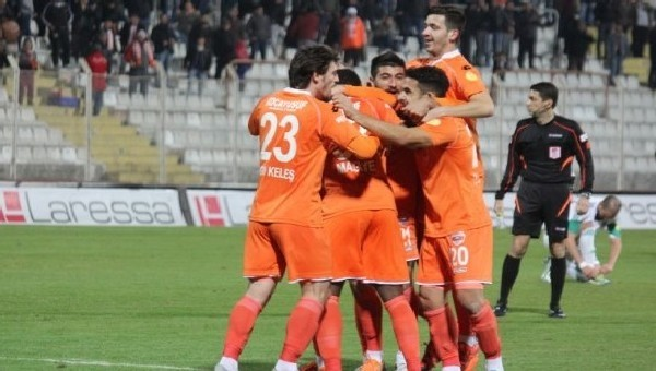 Toros Kaplanı'nda ayrılan futbolcular - Mehmet Sedef, Ergin Keleş, Merthan Açıl