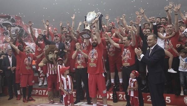 Basketbol Haberleri: Olympiakos, Panathinaikos'u devirdi, şampiyon oldu!