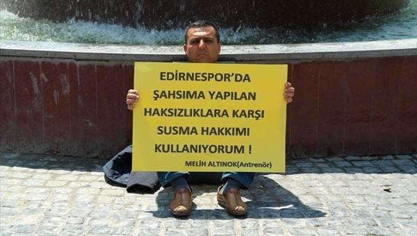 Edirnespor'un antrenörü Melih Altınok oturma eylemi yaptı - İZLE