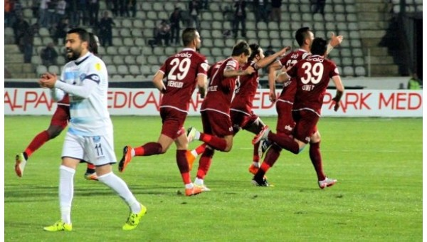 Elazığspor, Adana Demirspor'u devirdi
