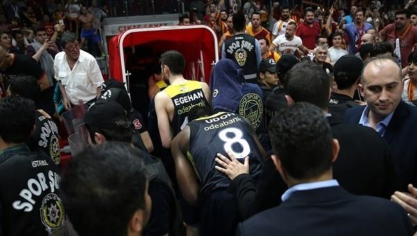 Basketbol Haberleri: FB TV çalışanı Aslı Yumruk'tan Galatasaray Odeabank maçı sonrası olay tweet