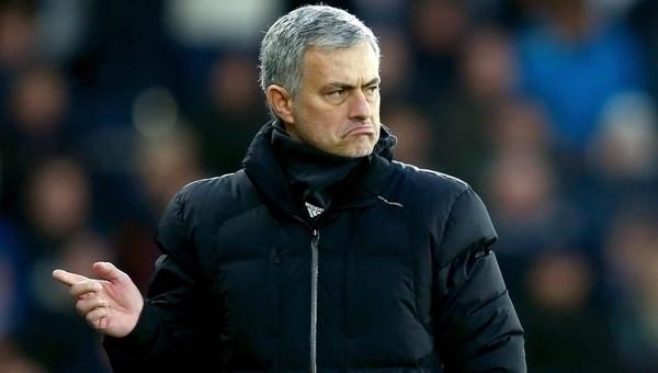 Manchester United'a Jose Mourinho çalımı - Premier Lig Haberleri