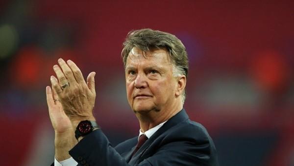Manchester United'da Van Gaal dönemi bitti