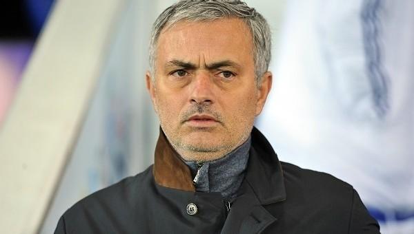 Manchester United'dan Jose Mourinho'ya mesaj
