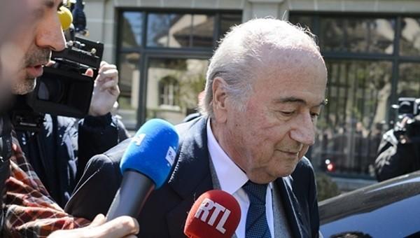 Sepp Blatter, EURO 2016'ya gitmeyecek
