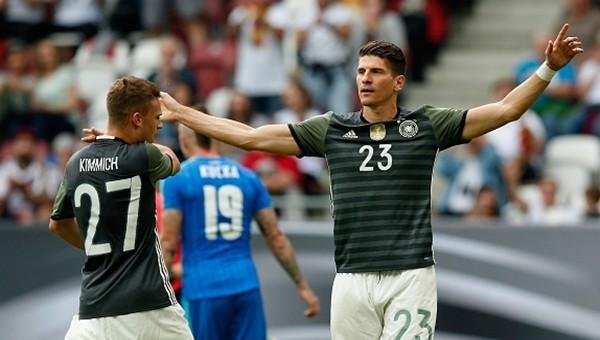 Almanya'da Mario Gomez ilk 11'de