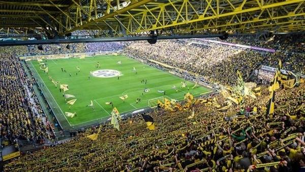 Borussia Dortmund taraftarı rakipleri kıskandırdı