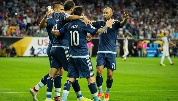 Copa America Haberleri: Arjantin, ABD'yi dağıttı (Arjantin 4-0 ABD maç özeti ve golleri)