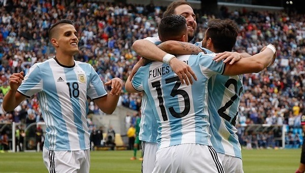 Copa America Haberleri: Arjantin, Bolivya'yı farklı geçti (Arjantin 3-0 Bolivya maç özeti ve golleri)