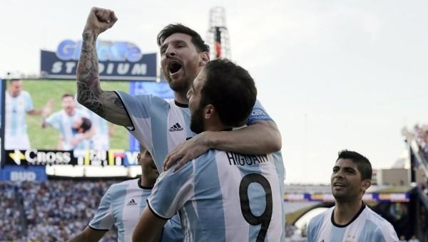 Copa America Haberleri: Arjantin, Venezuella'yı rahat geçti