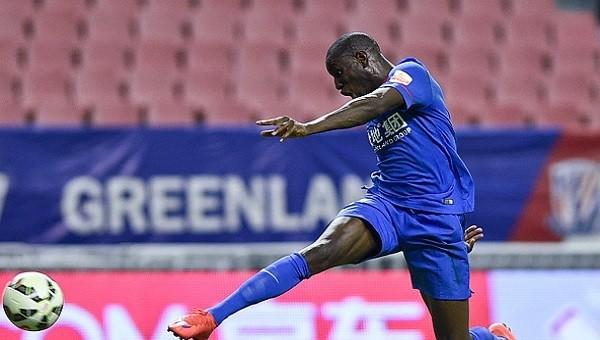 Demba Ba'dan Çin'i sallayan gol - İZLE