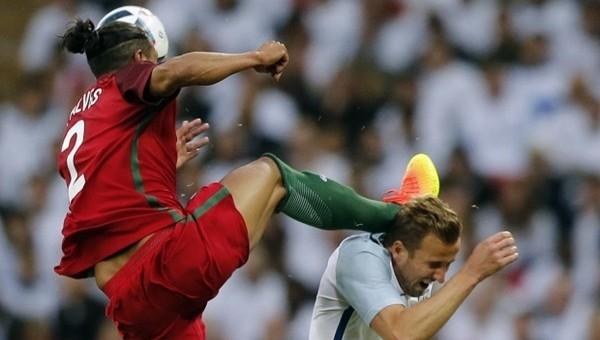 Fernando Santos'dan Bruno Alves'e eleştiri