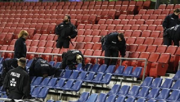 Fransa - Romanya maçı öncesi polis araması