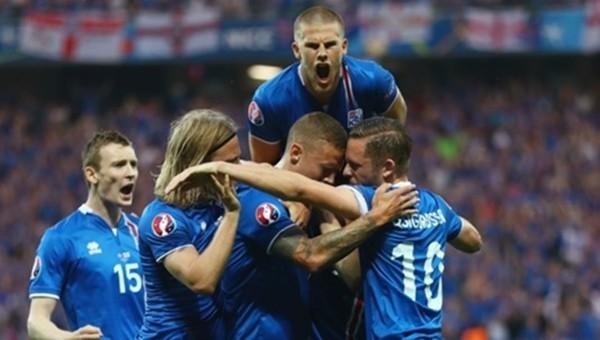 İzlanda son 16 yılının karşılığını EURO 2016'da aldı