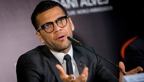 Daniel Alves sağlık kontrolünden geçecek