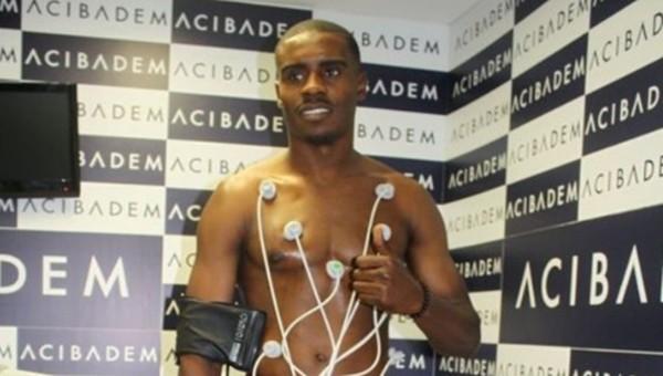 Süper Lig ekibinde 10 futbolcu sağlık kontrolünde