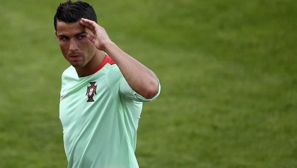 Cristiano Ronaldo en iyi futbolcu olduğu iddiasını yineledi