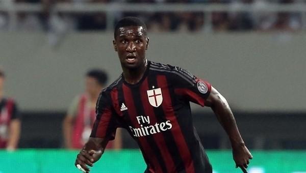 Milan, Zabata ile sözleşme uzattı