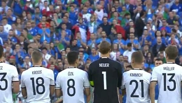 Almanya - İtalya maçında İstanbul için saygı duruşu