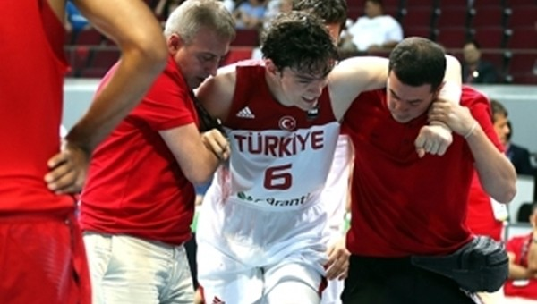Basketbol Haberleri: Cedi Osman'ın sakatlığı ciddi mi?