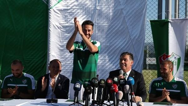 Ali Ay yönetiminden 7 oyuncuyla toplu imza töreni