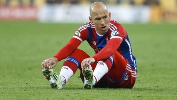 'Cam adam' Arjen Robben yine sakatlandı