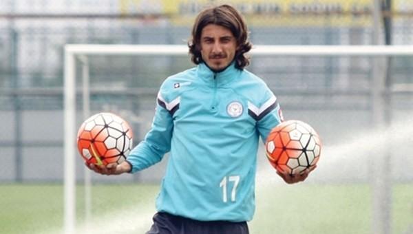 Çaykur  Süper Lig'in en iyi orta kesen oyuncusu Mehmet Akyüz