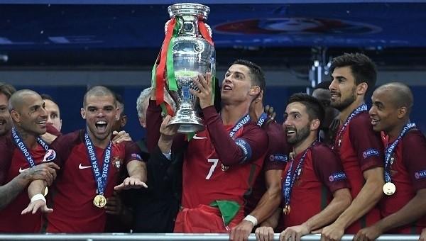 Cristiano Ronaldo ve Pepe'den tarihi başarı