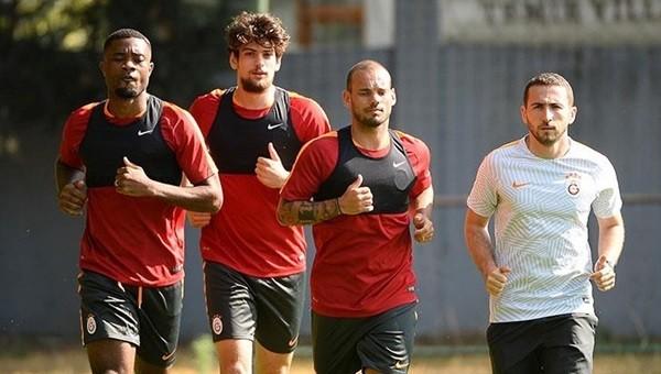 Wesley Sneijder ilk idmanına çıktı