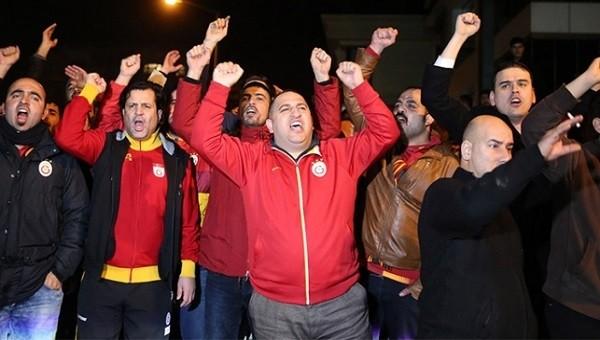 Galatasaray taraftarı çileden çıktı ve ayaklandı